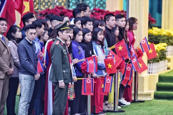 Chủ tịch Triều Tiên đến Việt Nam trên đoàn tàu bọc thép - ảnh 23