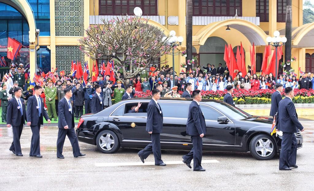 Dàn cận vệ của Chủ tịch Kim Jong-un ở ga Đồng Đăng - ảnh 4