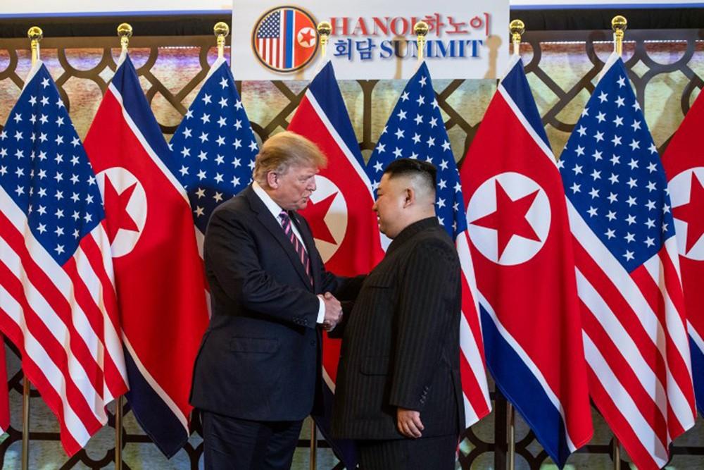 Những hình ảnh ấn tượng trong cuộc gặp của lãnh đạo Mỹ - Triều tại Hà Nội - ảnh 2