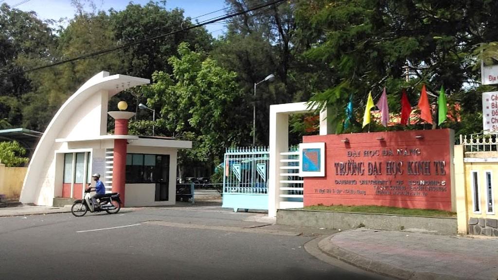 Gói thầu bị phản ánh thuộc Dự án Đầu tư xây dựng Nhà đa năng Trường Đại học Kinh tế - Đại học Đà Nẵng. Ảnh: Văn Linh