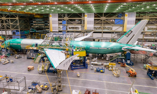 777X trong nhà xưởng của Boeing. Ảnh:CNN