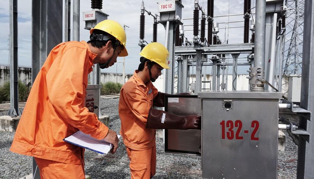 EVNSPC tập trung hoàn thành các công trình trọng điểm, duy tu bảo dưỡng đảm bảo cung cấp điện trên địa bàn