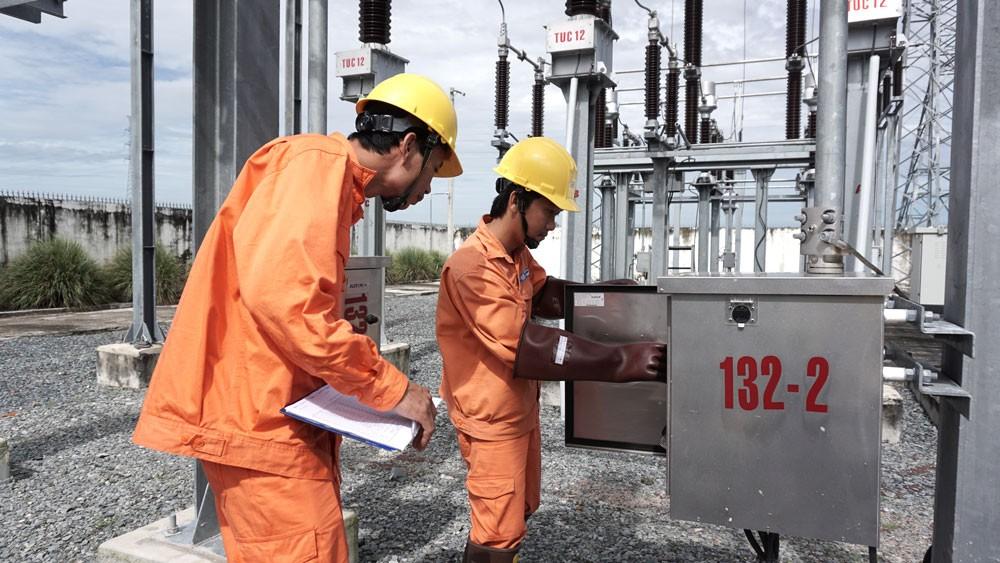 Nhu cầu điện tăng cao và giải pháp của EVNSPC - ảnh 1