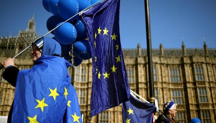 Người biểu tình phản đối Brexit ở London hôm 10/4 - Ảnh: Reuters.