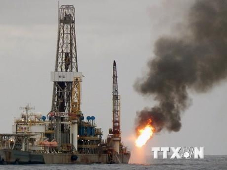 OPEC có thể nâng sản lượng nếu giá dầu lên ngưỡng 85 USD/thùng. Ảnh minh họa: TTXVN