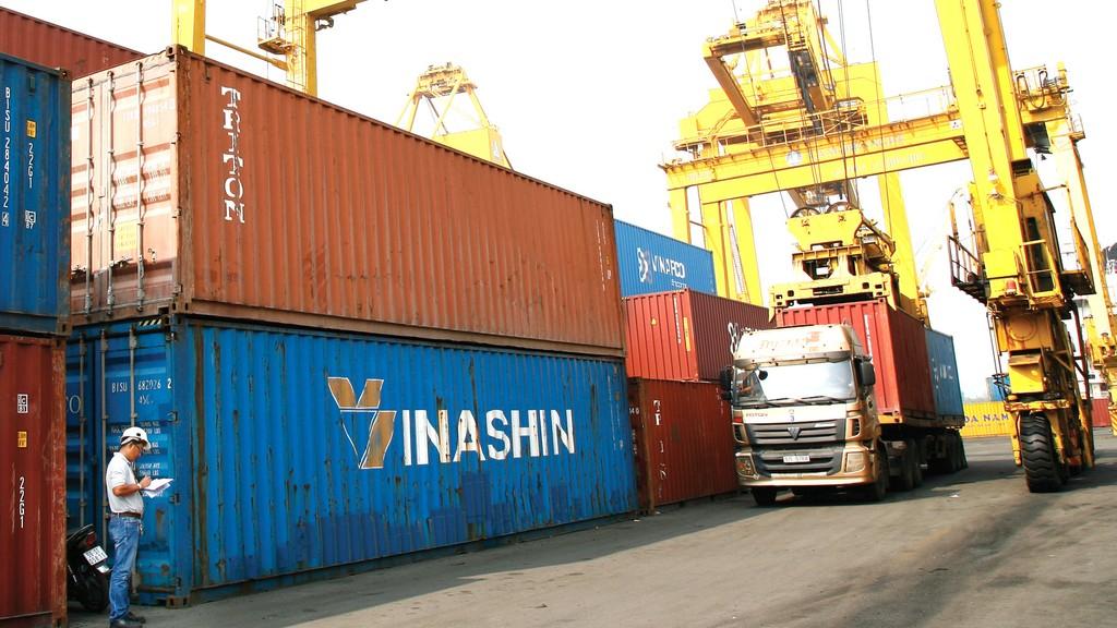 Công tác quản lý, kiểm tra chuyên ngành đối với hàng hoá xuất khẩu, nhập khẩu chưa có chuyển biến, cải cách nào đáng kể trong quý đầu năm 2019. Ảnh: Vi Thu