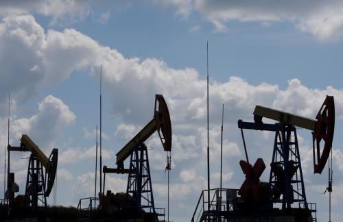 Căng thẳng thương mại Mỹ - Trung làm giá dầu châu Á giảm hơn 2%. Ảnh minh họa: Reuters