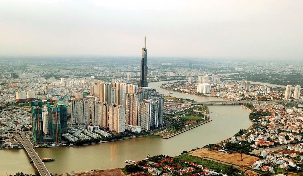 Tốc độ tăng trưởng bình quân giai đoạn 2016 - 2018 của Vùng kinh tế trọng điểm phía Nam chỉ ngang mức bình quân cả nước. Ảnh: Song Lê