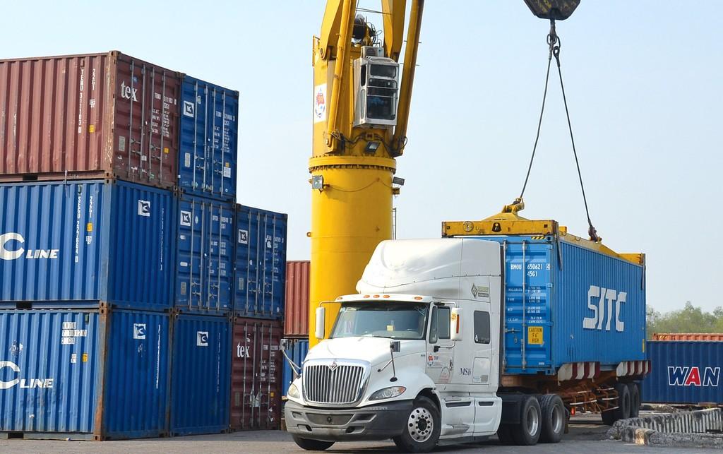 Nhiêu lô hàng nguyên liệu thủy sản nhập khẩu bị ách tắc vì Thông tư 36/2018/TT-BNNPTNT của Bộ Nông nghiệp và Phát triển nông thôn. Ảnh minh họa: Khắc Giới