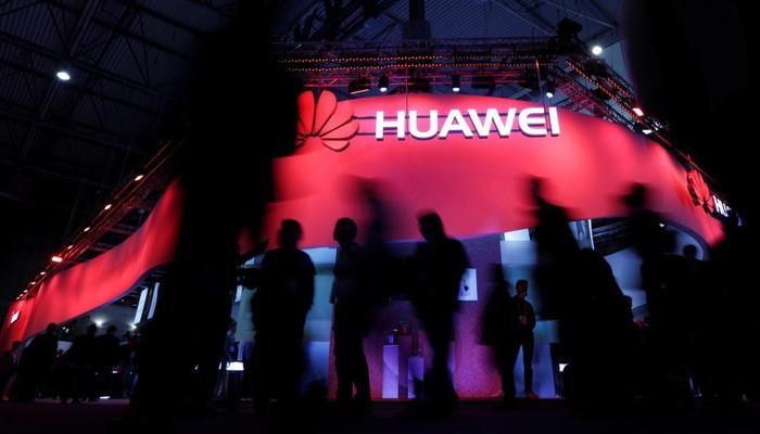 Nguồn tin nói rằng Huawei sẽ chỉ còn tiếp cận được với phiên bản công cộng của hệ điều hành di động Android của Google - Ảnh: Reuters.