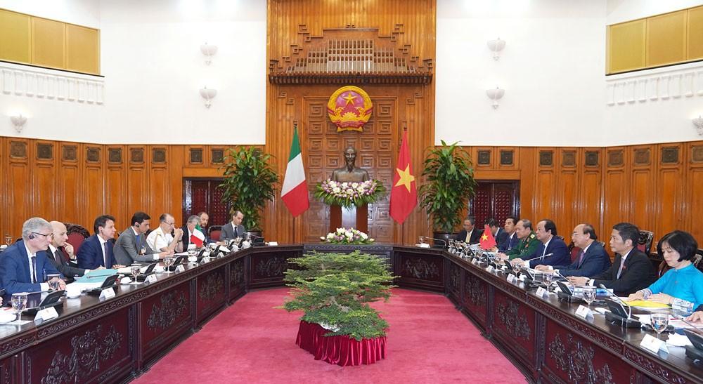 Các nhà lãnh đạo của Việt Nam và Italia nhất trí tiếp tục tạo điều kiện thuận lợi cho doanh nghiệp, nhà đầu tư hai nước kết nối các đối tác trong nhiều lĩnh vực. Ảnh: Quang Hiếu