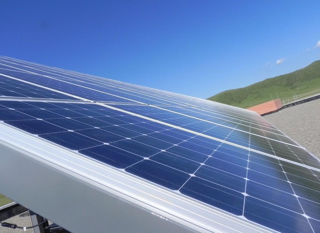 Chúng ta nên khuyến khích thu hút FDI phát triển điện sạch như điện gió, điện mặt trời, tương lai là điện thủy triều.