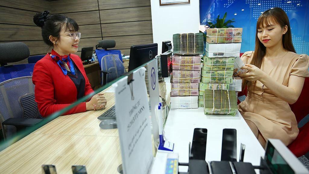 Tổng dư nợ tăng trưởng tín dụng vượt phép là gần 7.000 tỷ đồng. Ảnh: Lê Tiên