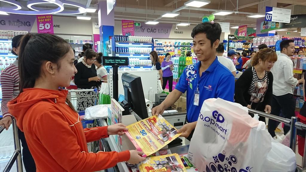 Siêu thị Co.opmart Phước Đông sẽ là điểm phân phối 9 nhóm hàng bình ổn giá.