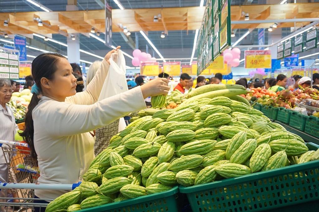 Người tiêu dùng sẽ yên tâm hơn khi mua sắm hàng hóa tại siêu thị.
