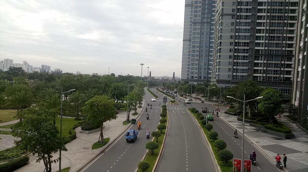Giá căn hộ tại TP.HCM và Hà Nội nhìn chung vẫn thấp hơn so với các thị trường tương đương trong khu vực như Kuala Lumpur và Bangkok