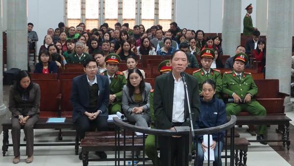 Bị cáo Phan Minh Nguyệt tại tòa