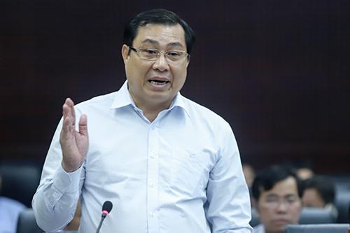 """Chủ tịch UBND TP Đà Nẵng Huỳnh Đức Thơ phát biểu tại chương trình """"HĐND với cử tri""""."""