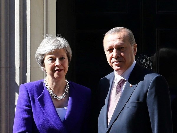 Thủ tướng Anh Theresa May và Tổng thống Thổ Nhĩ Kỳ Recep Tayyip Erdogan. (Nguồn: Getty Images)