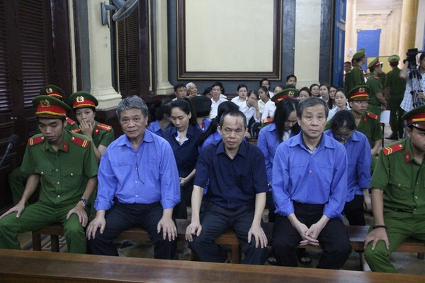 Ngày mai (18/5) phiên tòa tiếp tục xét hỏi.
