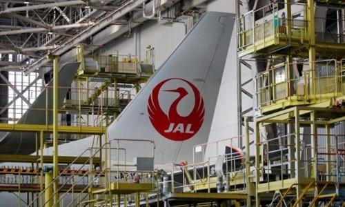 Một máy bay của JAL tại sân bay Haneda. Ảnh:Reuters