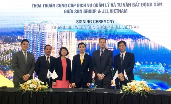 Sun Grand City Thuy Khue Residence sẽ do nhà quản lý quốc tế JLL vận hành hình 2