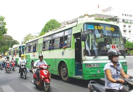 Vì sao nhà thầu không hào hứng tham gia đấu thầu tuyến xe buýt tại TP.HCM?