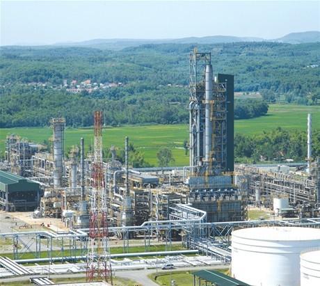 Đẩy mạnh tái cơ cấu nền kinh tế để cải thiện môi trường đầu tư