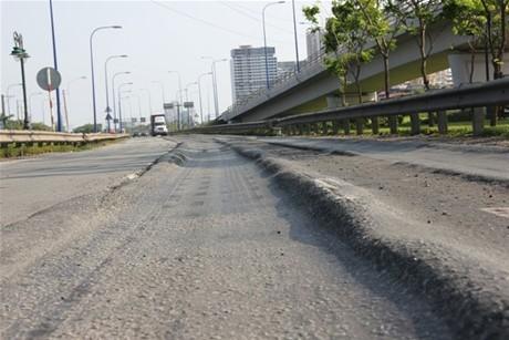 Giám sát thi công chặt chẽ để đảm bảo chất lượng công trình giao thông