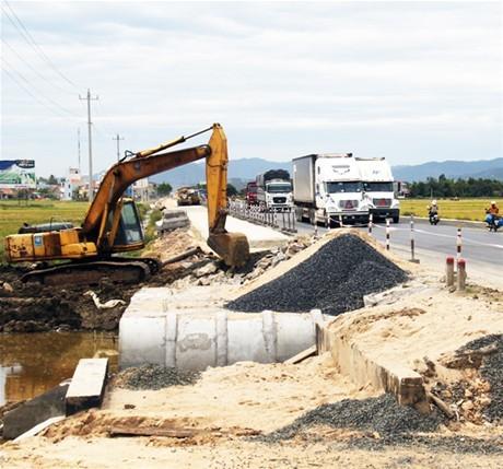Tăng cường phối hợp gỡ vướng  cho các dự án giao thông trọng điểm