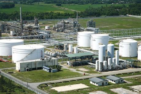 Nhà máy Lọc dầu Dung Quất  cán đích 5,86 triệu tấn sản phẩm