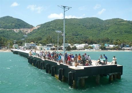 Khởi công dự án Cấp điện lưới quốc gia cho xã đảo Lại Sơn (Kiên Giang)