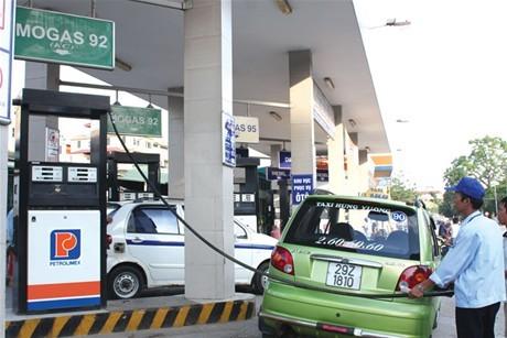 """Giá xăng dầu, giá điện làm """"nóng""""  phiên chất vấn Bộ trưởng Bộ Công Thương"""