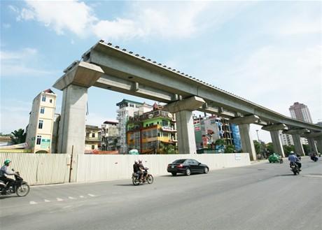 Nhà thầu đang cố gắng đẩy nhanh tiến độ các dự án lớn tại Hà Nội