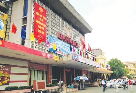 Bàn phương án đầu tư cải tạo,  xây mới ga Hà Nội và ga Sài Gòn
