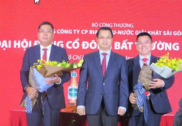 Ông Nguyễn Thành Nam (phía bên tay trái) chính thức trở thành Tổng giám đốc Sabeco.