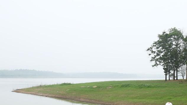 Gói thầu Thi công xây dựng hồ Suối Hai (huyện Tân Lạc), cụm hồ Lạc Thịnh, cụm hồ Cây Vừng (huyện Yên Thủy) có giá gói thầu là 22,488 tỷ đồng. Ảnh: Tuấn Anh