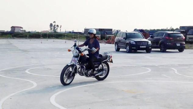 Các trung tâm cách thành phố trực thuộc tỉnh dưới 100 km phải sát hạch thực hành lái xe hạng A1 theo phương pháp tự động từ 1/7/2018. Ảnh: Hoài Anh
