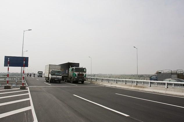 Xử phạt hành chính hơn 2.000 xe vi phạm tải trọng