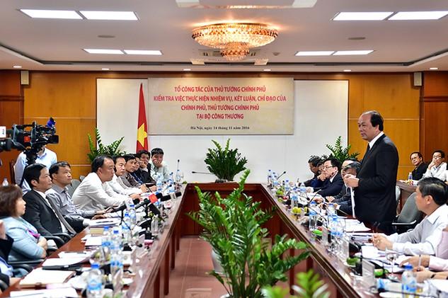 Tổ công tác của Thủ tướng kiểm tra tại Bộ Công Thương. - Ảnh: VGP/Nhật Bắc