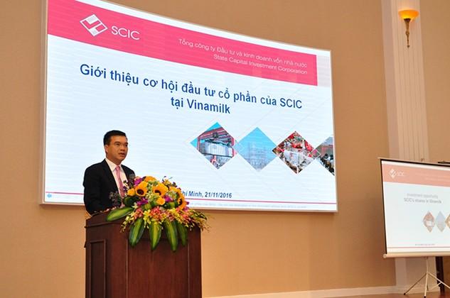 Ông Nguyễn Chí Thành, Phó Tổng Giám đốc SCIC giới thiệu những quy định chung về cách thức triển khai lựa chọn nhà đầu tư
