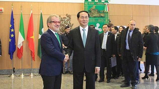 Chủ tịch nước Trần Đại Quang và Chủ tịch vùng Lombardia. Ảnh: VOV