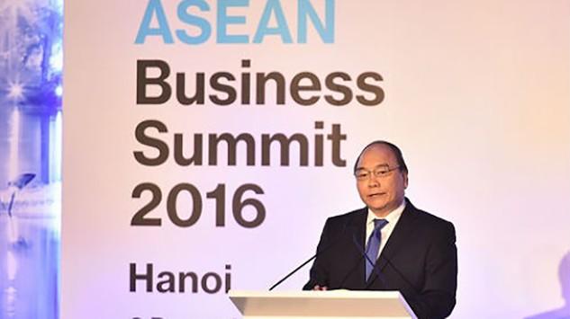 Thủ tướng Nguyễn Xuân Phúc khẳng định, trước những thách thức gặp phải, từng thành viên ASEAN phải đổi mới, chuyển mình để trở thành điểm đến đầu tư hấp dẫn.