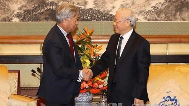 Tổng Bí thư Nguyễn Phú Trọng và Chủ tịch Ngân hàng AIIB Kim Lập Quần