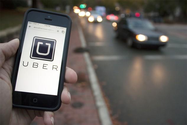 Xe Uber chưa đăng ký 'xe hợp đồng' mới vi phạm pháp luật