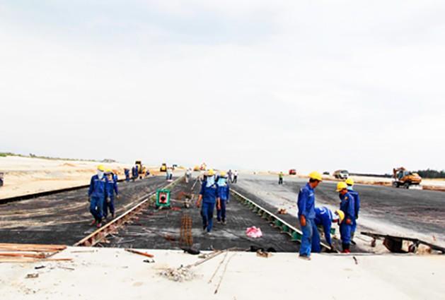 Tìm vốn cho dự án Đường cất hạ cánh số 2 sân bay Cam Ranh