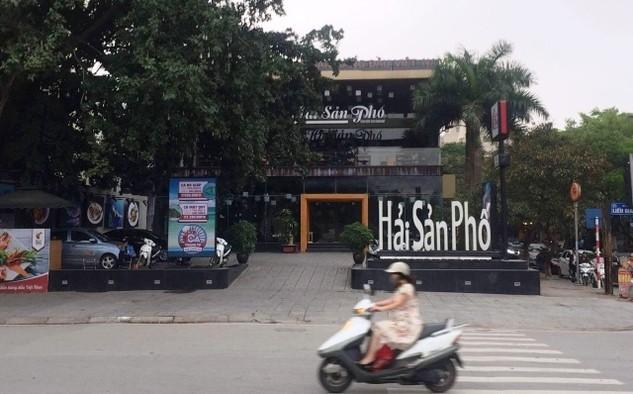 Nhà hàng ngang nhiên mọc lên trên khu đất dự án xây dựng bãi đỗ xe tĩnh để giảm áp lực giao thông cho TP Hà Nội. Ảnh: Báo Nhân dân