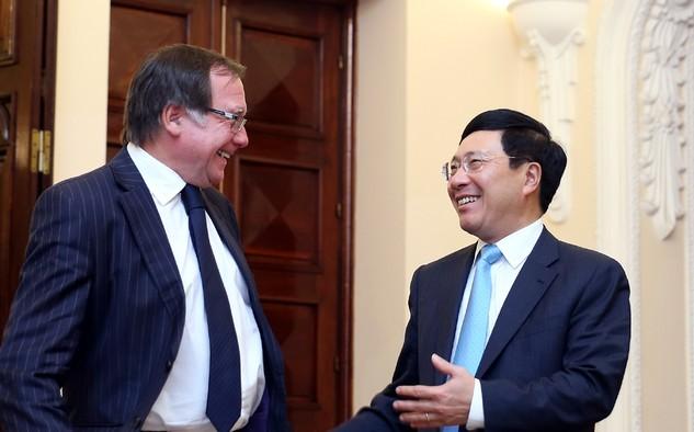 Phó Thủ tướng, Bộ trưởng Bộ Ngoại giao Phạm Bình Minh và Bộ trưởng Ngoại giao New Zealand Murray McCully. Ảnh: VGP