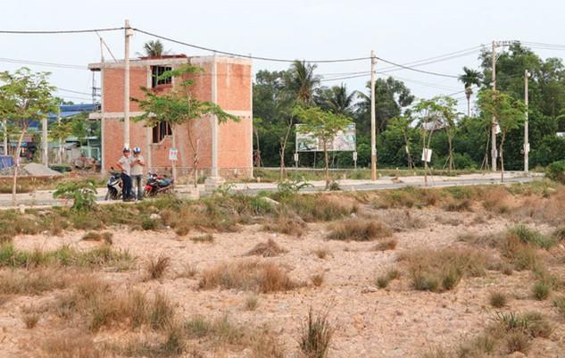 Cơn số đất nền tại TP.HCM khiến nhiều người bị cuốn theo, đẩy giá đất vượt qua mức đỉnh năm 2007.