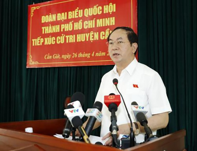 Chủ tịch nước Trần Đại Quang cùng Đoàn đại biểu Quốc hội Thành phố Hồ Chí Minh tiếp xúc cử tri tại huyện Cần Giờ. Ảnh: TTXVN